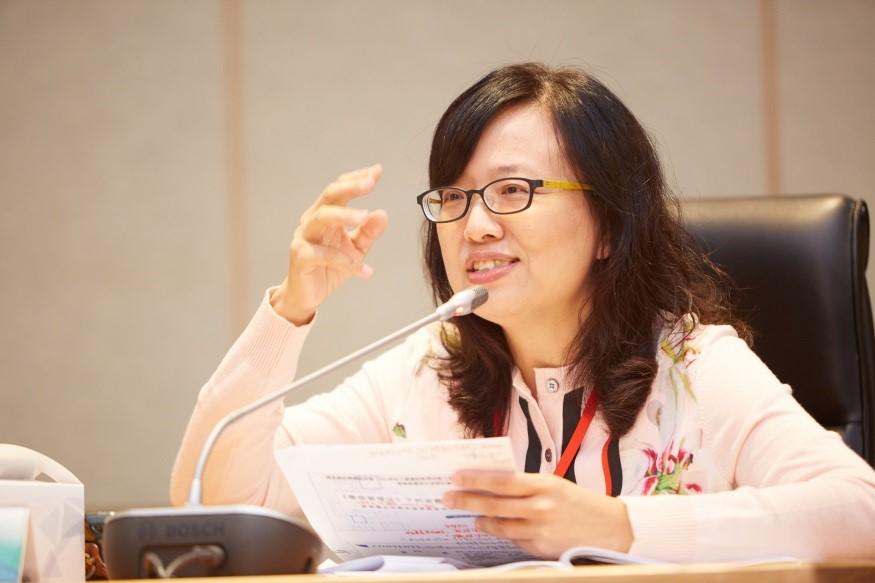 東吳大學法律學系陳汝吟教授做第二場次報告。