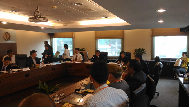 國家安全會議李德財諮詢委員為「建立台灣區域之國際網路安全卓越中心(International Cybersecurity Center of Excellence, ICCOE)可行性」會議開場致詞,右側為本會孫雅麗委員,左側為行政院資通安全處簡宏偉處長
